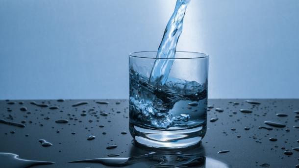 כך תגרמו לכל בני המשפחה שלכם לשתות יותר מים ביום