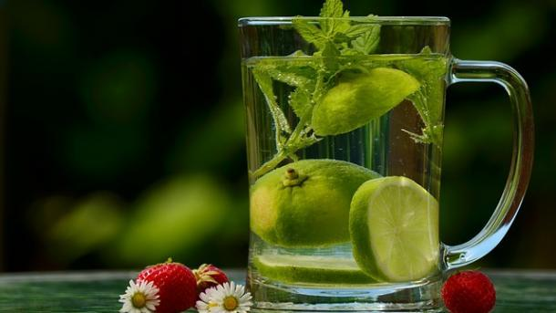 קיץ בריא עם שתיה מרובה